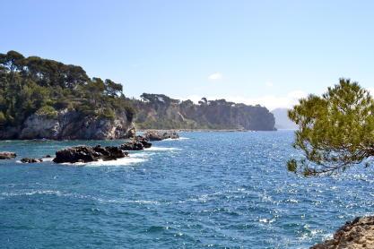 Sainte-marguerite, un ecrin a deux pas des plages la garde pierres de collection